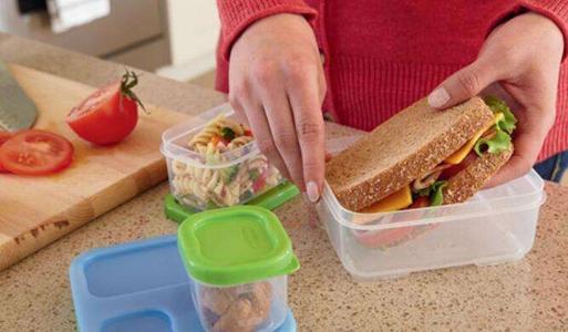 关于食品接触塑料的第(EU)10/2011号法规的修正案
